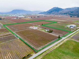 Photo 2: 34659 TOWNSHIPLINE Road in Abbotsford: Matsqui House for sale : MLS®# R2560847