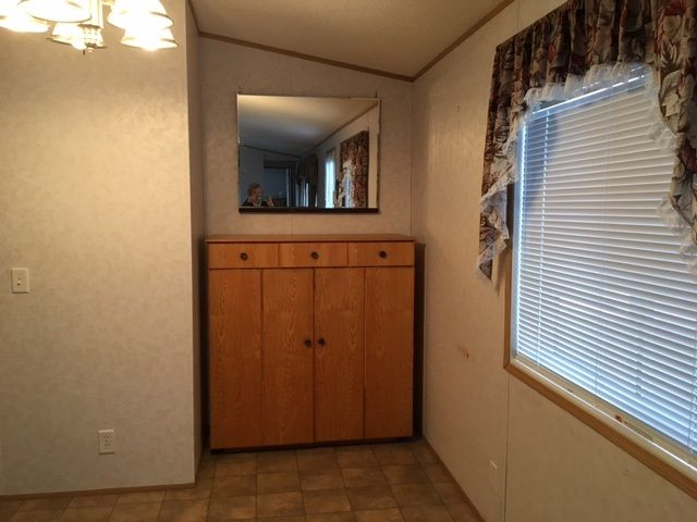"""Photo 6: Photos: 22 654 NORTH FRASER Drive in Quesnel: Quesnel - Town Manufactured Home for sale in """"RIVER WALK MANUFACTURED HOME PARK"""" (Quesnel (Zone 28))  : MLS®# R2533387"""