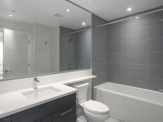 """Photo 19: 104 1768 GILMORE Avenue in Burnaby: Brentwood Park Condo for sale in """"Escala"""" (Burnaby North)  : MLS®# R2398729"""