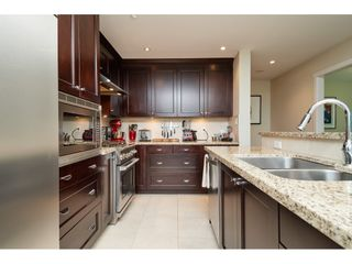 """Photo 7: 202 14824 NORTH BLUFF Road: White Rock Condo for sale in """"The Belaire"""" (South Surrey White Rock)  : MLS®# R2405927"""