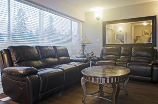 Photo 11: 1214 COMO LAKE Avenue in Coquitlam: Central Coquitlam House for sale : MLS®# R2336355