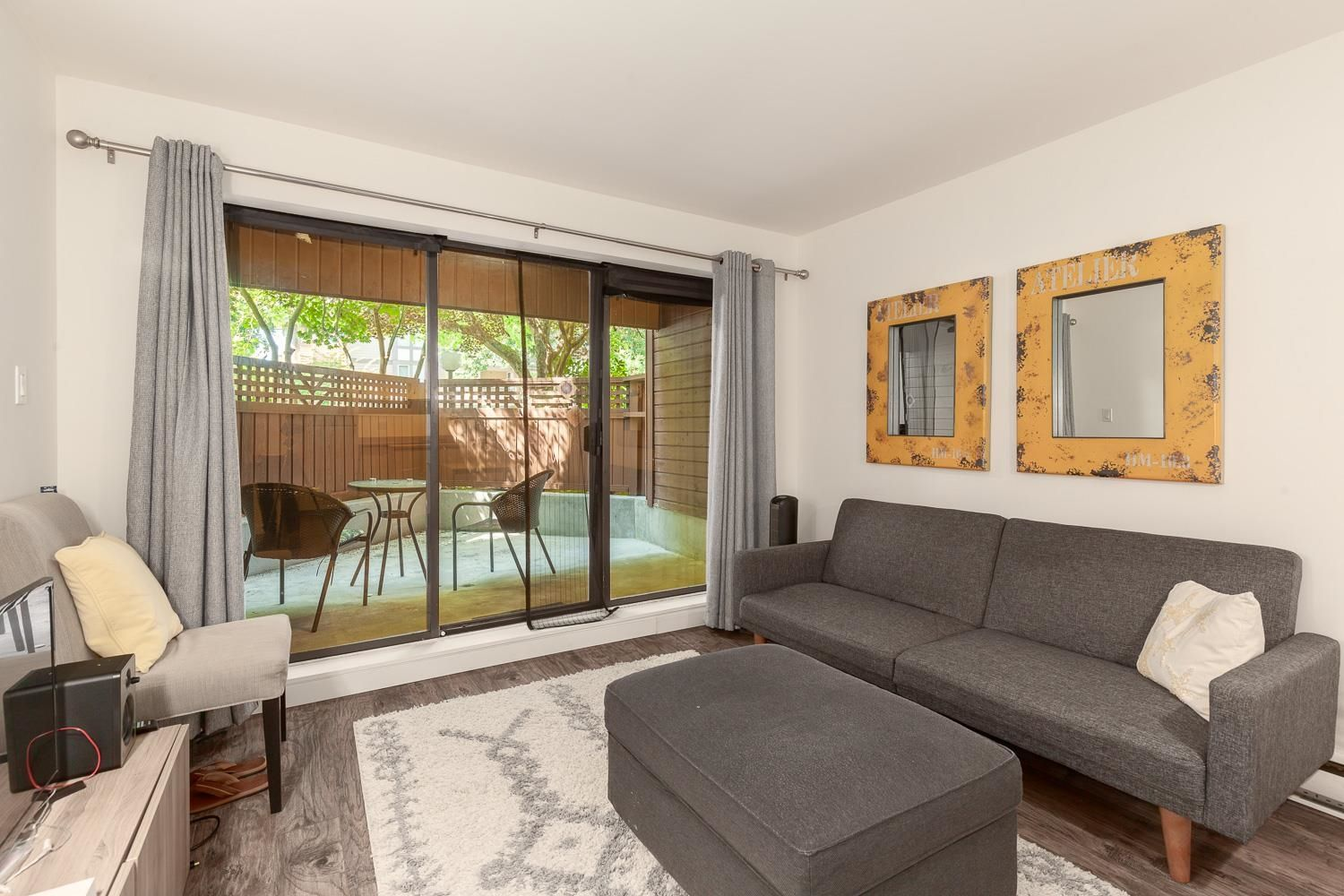 """Main Photo: 101 2920 ASH Street in Vancouver: Fairview VW Condo for sale in """"Ash Court"""" (Vancouver West)  : MLS®# R2615641"""