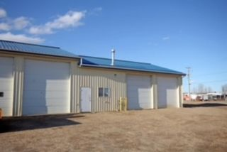 Main Photo: 1 4 Sylvaire Close in Sylvan Lake: Cuendet Industrial Park Commercial for sale : MLS®# A1092421