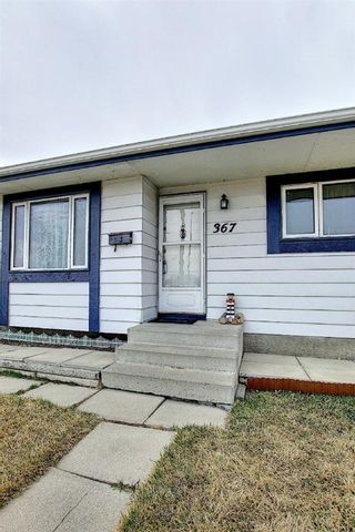 Photo 3: 367 Maitland Crescent NE in Calgary: Marlborough Park Detached for sale : MLS®# A1093291