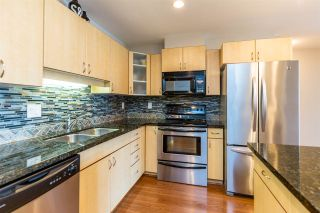 Photo 4: 307 19774 56 Avenue in Langley: Langley City Condo for sale : MLS®# R2437992