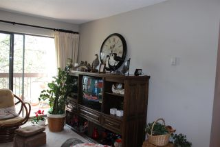 """Photo 4: 210 33490 COTTAGE Lane in Abbotsford: Central Abbotsford Condo for sale in """"Cottage Lane"""" : MLS®# R2567798"""