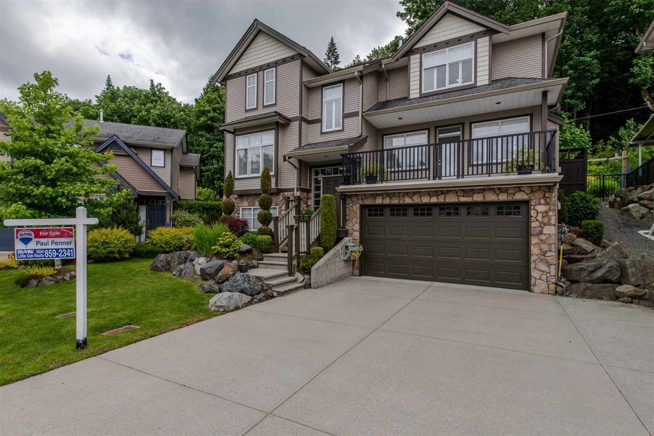 "Main Photo: 3872 KENSINGTON Court in Abbotsford: Abbotsford East House for sale in ""KENSINGTON PARK"" : MLS®# R2180750"