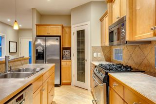 Photo 10: 810 21 Avenue NW in Calgary: Mount Pleasant Detached for sale : MLS®# A1016102