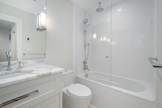 "Photo 14: 301 2255 YORK Avenue in Vancouver: Kitsilano Condo for sale in ""BEACH HOUSE"" (Vancouver West)  : MLS®# R2458588"