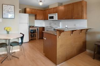 """Photo 2: PH5 3089 OAK Street in Vancouver: Fairview VW Condo for sale in """"The Oaks"""" (Vancouver West)  : MLS®# R2624819"""