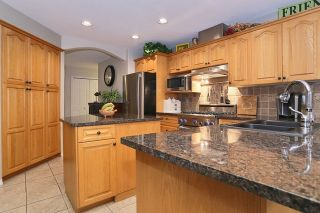"""Photo 11: 5748 168TH Street in Surrey: Cloverdale BC House for sale in """"RICHARDSON RIDGE"""" (Cloverdale)  : MLS®# R2024526"""