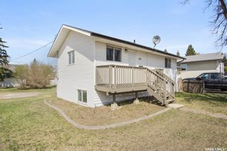 Photo 2: 102 5th Avenue in Martensville: Residential for sale : MLS®# SK859357