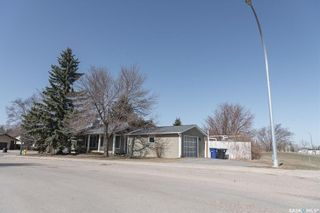 Photo 2: 518 Rossmo Road in Saskatoon: Forest Grove Residential for sale : MLS®# SK849328