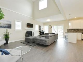 Photo 2: 2386 Lund Rd in VICTORIA: VR Six Mile House for sale (View Royal)  : MLS®# 746517