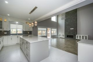 """Photo 8: 27687 RAILCAR Crescent in Abbotsford: Aberdeen House for sale in """"Station Woods"""" : MLS®# R2214452"""