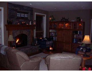 "Photo 3: 7908 BROOKWOOD Place in Chilliwack: Eastern Hillsides House for sale in ""ELK CREEK PARK"" : MLS®# H2800558"