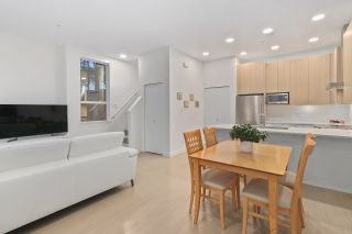 """Photo 11: 5413 LOUGHEED Highway in Burnaby: Parkcrest Townhouse for sale in """"SEASONS"""" (Burnaby North)  : MLS®# R2516986"""