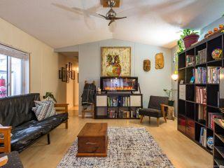 Photo 3: 6 8844 Tammy Rd in BLACK CREEK: CV Merville Black Creek Manufactured Home for sale (Comox Valley)  : MLS®# 833186