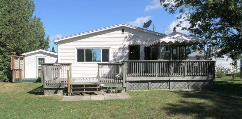 Main Photo: 223 Mcguire Beach Road in Kawartha Lakes: Rural Carden House (Bungalow) for sale : MLS®# X4849750