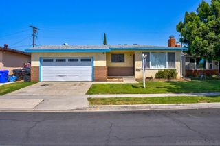 Photo 2: CLAIREMONT House for sale : 4 bedrooms : 3733 Belford in san diego