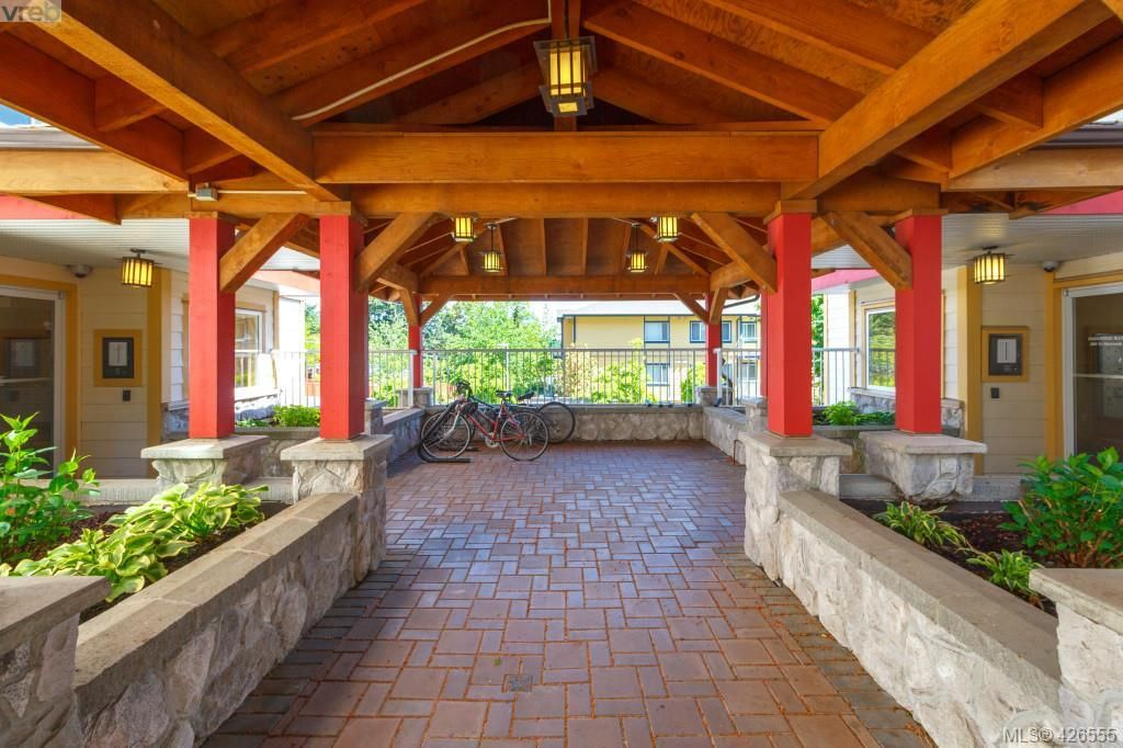 Main Photo: 304 364 Goldstream Ave in VICTORIA: Co Colwood Corners Condo for sale (Colwood)  : MLS®# 840419