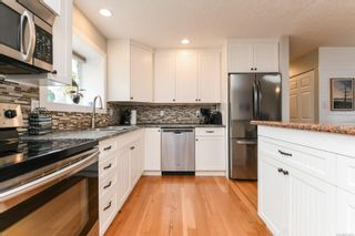 Photo 2: 582 Salish St in : CV Comox (Town of) House for sale (Comox Valley)  : MLS®# 872435