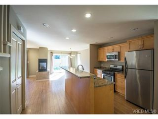 Photo 2: 3229 Ernhill Pl in VICTORIA: La Walfred Row/Townhouse for sale (Langford)  : MLS®# 713582