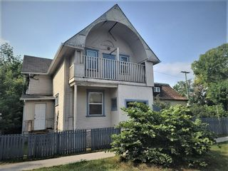 Photo 1: 260 Aikins Street in Winnipeg: North End Residential for sale (4A)  : MLS®# 202122351