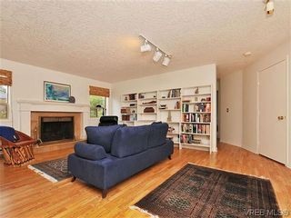 Photo 14: 1911 Quixote Lane in VICTORIA: Vi Fairfield East Residential for sale (Victoria)  : MLS®# 318957