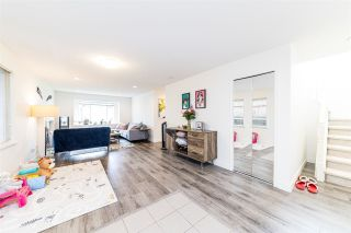 Photo 3: 239 W 19TH Street in North Vancouver: Central Lonsdale 1/2 Duplex for sale : MLS®# R2577522