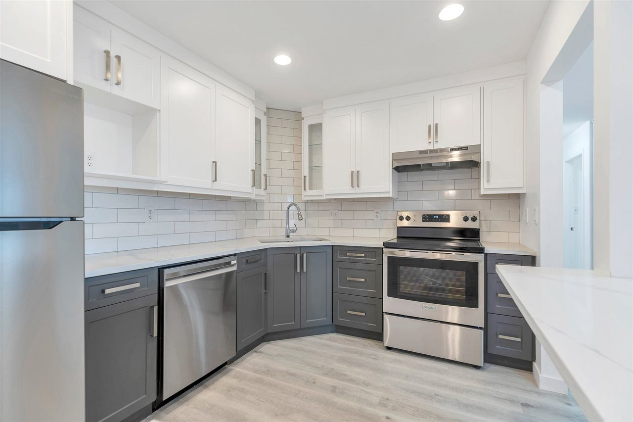 """Photo 5: Photos: 201 2491 GLADWIN Road in Abbotsford: Central Abbotsford Condo for sale in """"Lakewood Gardens"""" : MLS®# R2546752"""