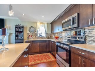 "Photo 2: 801 15111 RUSSELL Avenue: White Rock Condo for sale in ""Pacific Terrace"" (South Surrey White Rock)  : MLS®# R2567090"