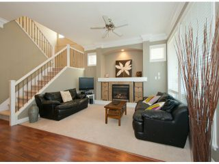 """Photo 5: 19629 68TH Avenue in Langley: Willoughby Heights House for sale in """"CAMDEN PARK"""" : MLS®# F1301205"""