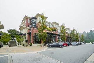 """Photo 3: 210 2940 KING GEORGE Boulevard in Surrey: King George Corridor Condo for sale in """"HIGH STREET"""" (South Surrey White Rock)  : MLS®# R2496807"""