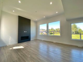 """Photo 6: 8365 BREAKEY Street in Mission: Mission BC House for sale in """"WEST HEIGHTS-WEST OF CEDAR"""" : MLS®# R2583454"""