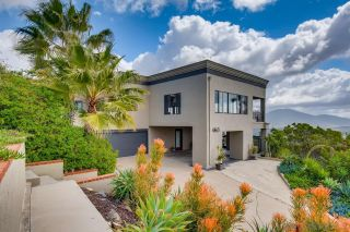 Photo 3: MOUNT HELIX House for sale : 5 bedrooms : 4460 Ad Astra Way in La Mesa