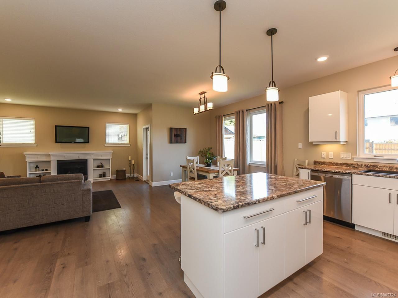 Photo 6: Photos: 106 2883 Muir Rd in COURTENAY: CV Courtenay East House for sale (Comox Valley)  : MLS®# 802724