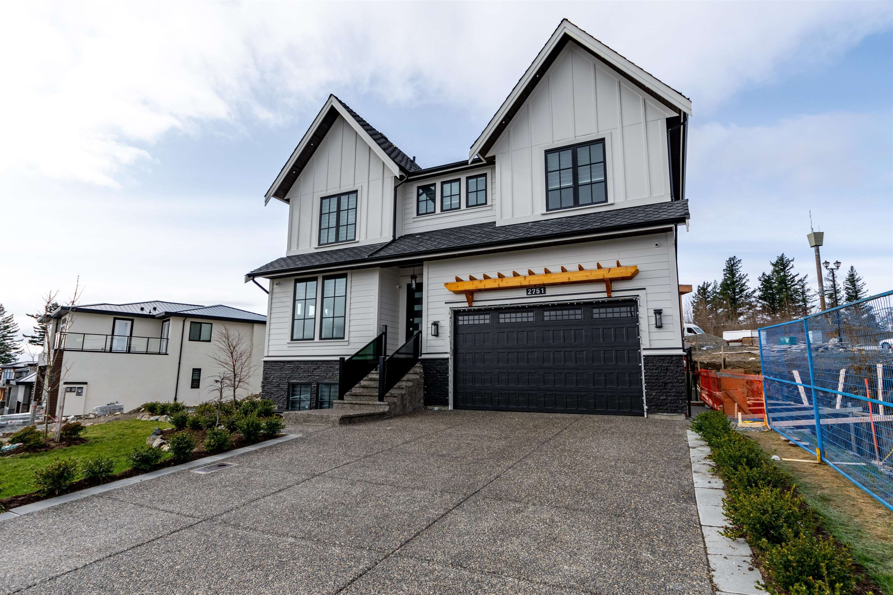 """Main Photo: 2751 MONTANA Place in Abbotsford: Abbotsford East House for sale in """"Eagle Mountain"""" : MLS®# R2623758"""