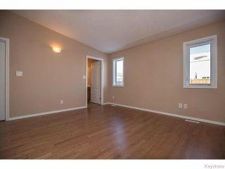 Photo 9: 152 Wainwright Crescent in WINNIPEG: St Vital Residential for sale (South East Winnipeg)  : MLS®# 1531945
