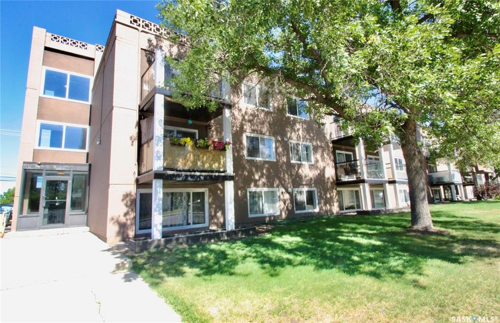 Main Photo: 38 2707 7th Street East in Saskatoon: Brevoort Park Residential for sale : MLS®# SK851881