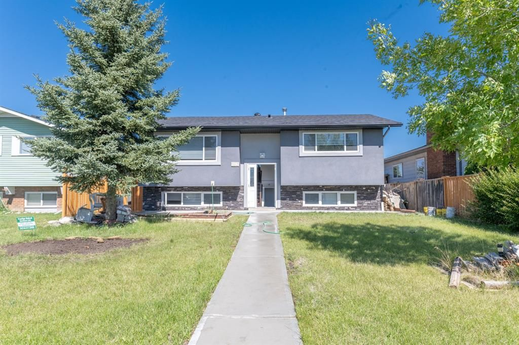Main Photo: 280 Rundlefield Road NE in Calgary: Rundle Detached for sale : MLS®# A1142021