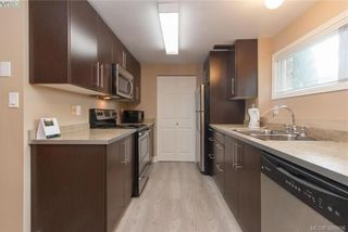 Photo 22: 860 Beckwith Ave in VICTORIA: SE Lake Hill House for sale (Saanich East)  : MLS®# 797907