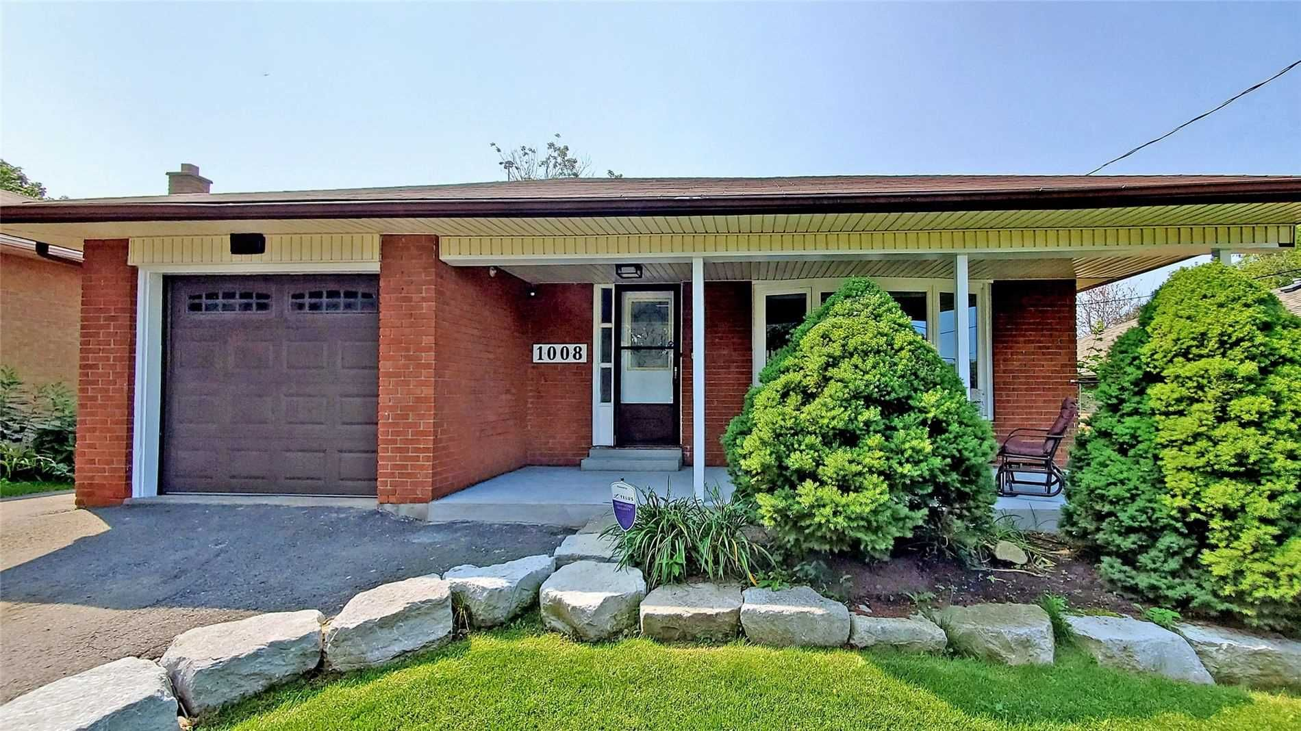 Main Photo: 1008 Mccullough Drive in Whitby: Downtown Whitby House (Bungalow) for sale : MLS®# E5334842