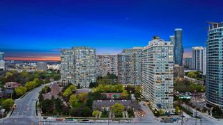 Photo 12: 1908 3525 Kariya Drive in Mississauga: City Centre Condo for sale : MLS®# W4455373