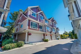 """Photo 3: 6 7298 199A Street in Langley: Willoughby Heights Townhouse for sale in """"York"""" : MLS®# R2602726"""