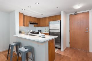 """Photo 12: 306 2161 W 12TH Avenue in Vancouver: Kitsilano Condo for sale in """"The Carlings"""" (Vancouver West)  : MLS®# R2319744"""