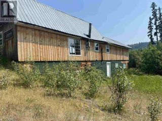 Photo 3: 3194 LITTLE LAKE-QUESNEL RIVER ROAD in Likely: House for sale : MLS®# R2602206