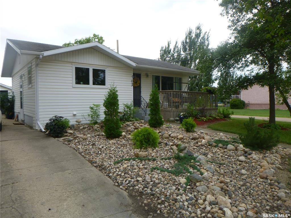 Main Photo: 702 702 101st Avenue in Tisdale: Residential for sale : MLS®# SK821040