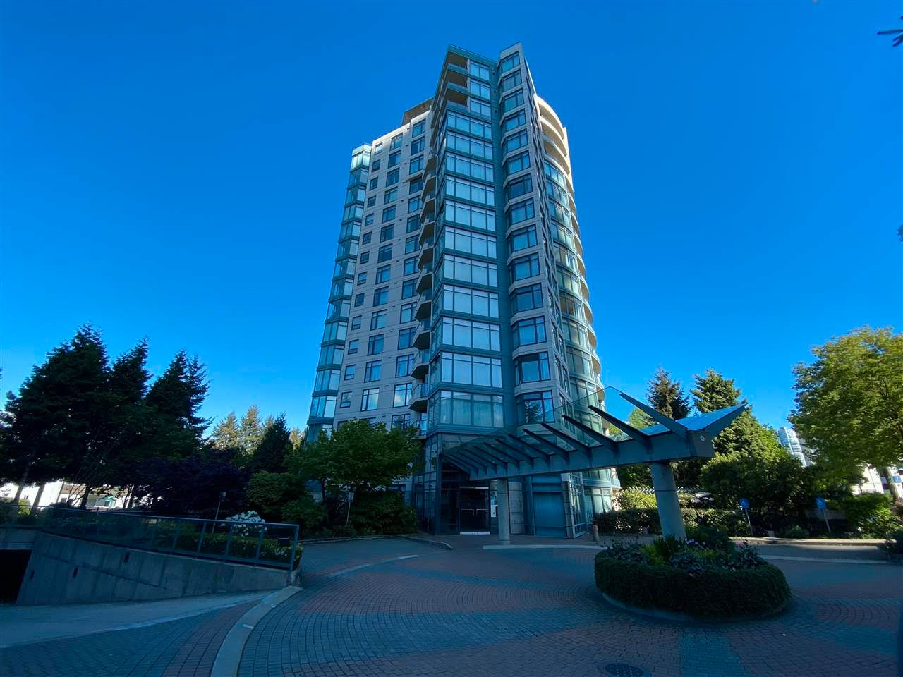 Main Photo: 1501 4567 HAZEL STREET in Burnaby: Forest Glen BS Condo for sale (Burnaby South)  : MLS®# R2578419
