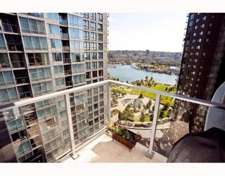 Photo 1: # 2208 550 PACIFIC ST in Vancouver: Condo for sale : MLS®# V782944